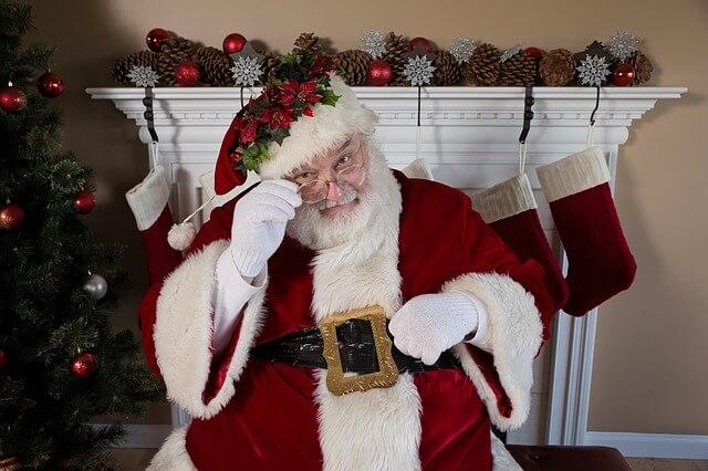 子どもに「サンタクロースはパパ?」と聞かれた時に幸せになれる回答を紹介します。